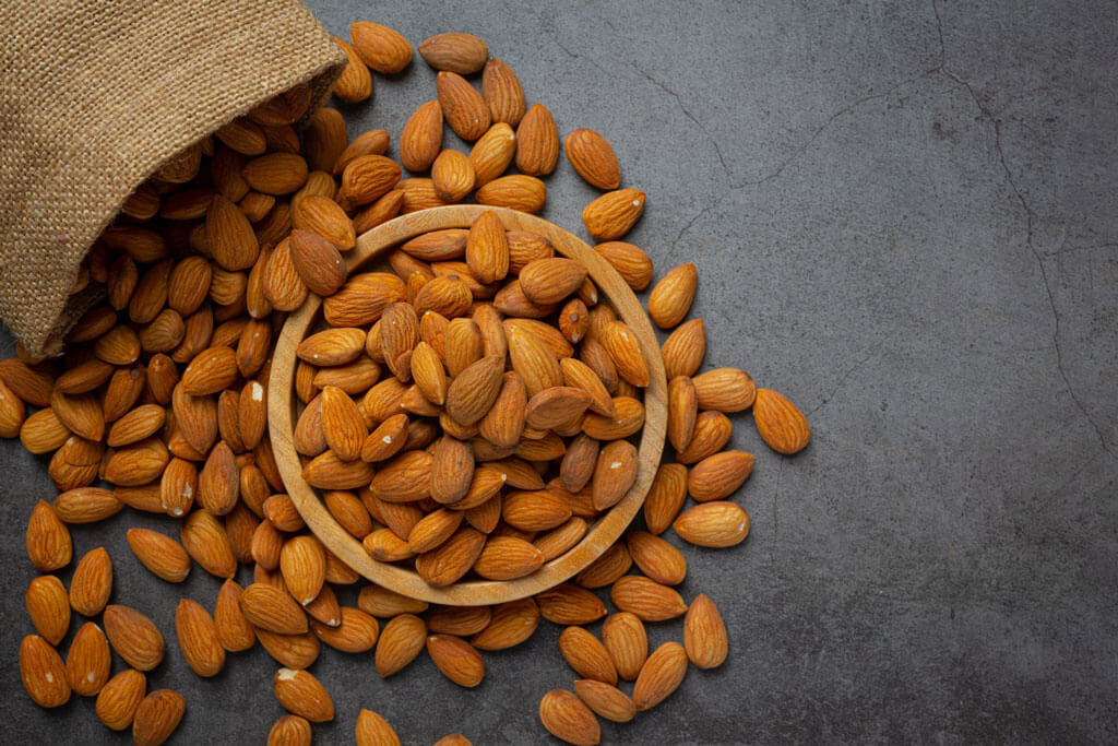 image showing a bowl full of almonds   Agrrro
